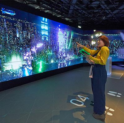 三菱電機 <br>64面ディスプレイMEToA VISION「Twinkle City」
